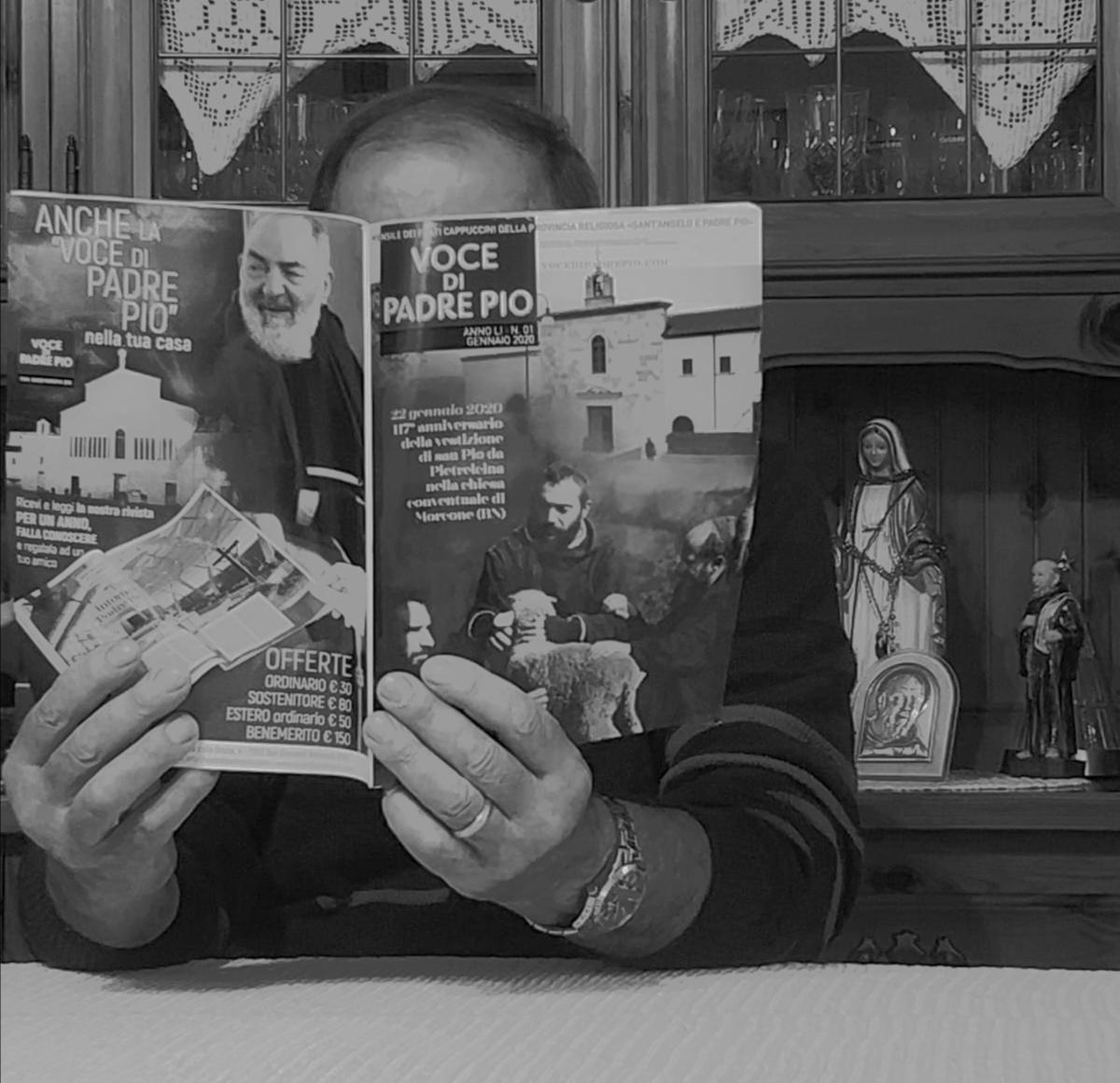 Lettura di una rivista cattolica