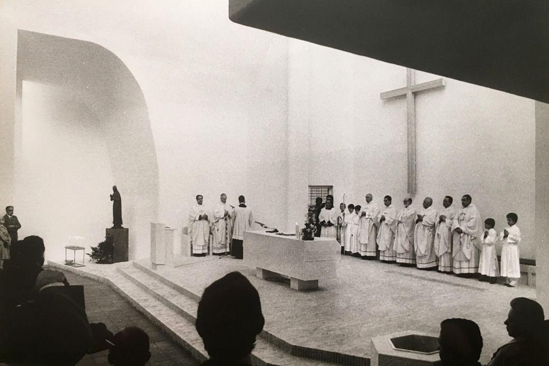 Organizzazione del presbiterio nel giorno di apertura della chiesa